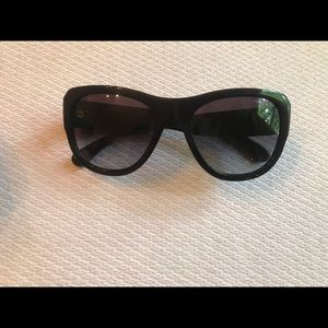 Chanel sunglasses authentic black w navy lining